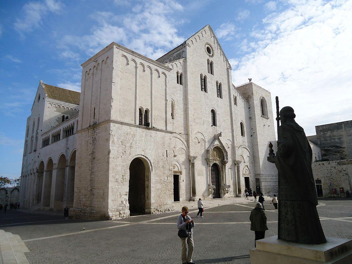 1200px-DuomoBari